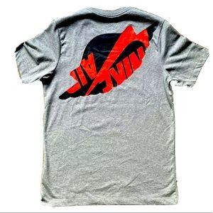 Nike Air Jordan 1 Wings Logo T-Shirt Bred Medium